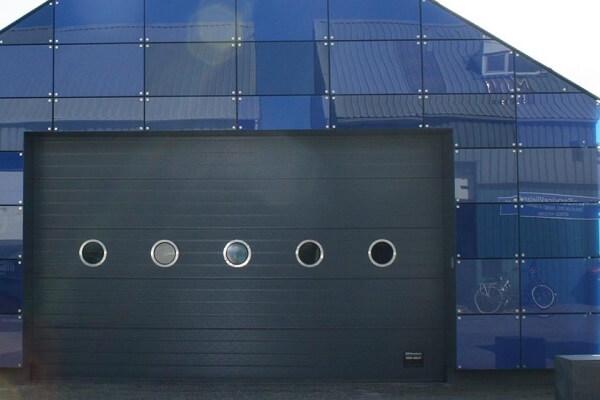 Industriële roldeur installeren